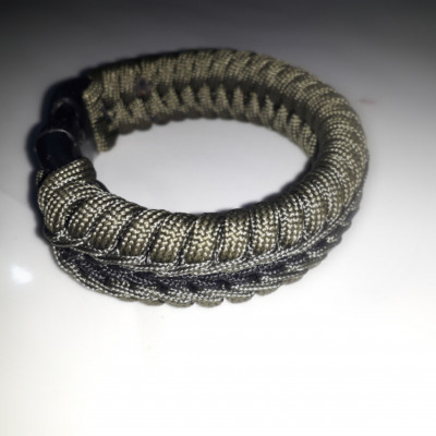 GELANG SURVIVAL PARACORD WITH STICTHED